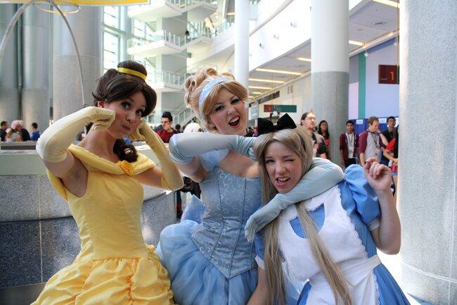 WonderCon 2014 Disney Princess Cosplay - Belle, Cinderella and Alice in Wonderland