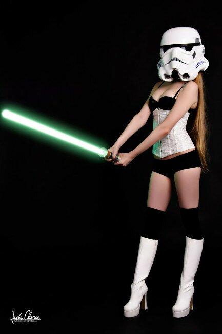 sexy-stormtrooper-cosplay-1