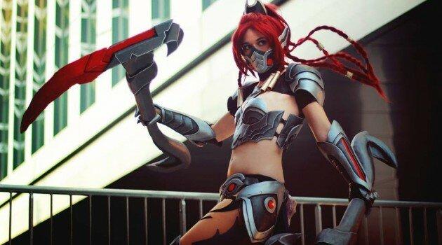 headhunter-akali-cosplay-1