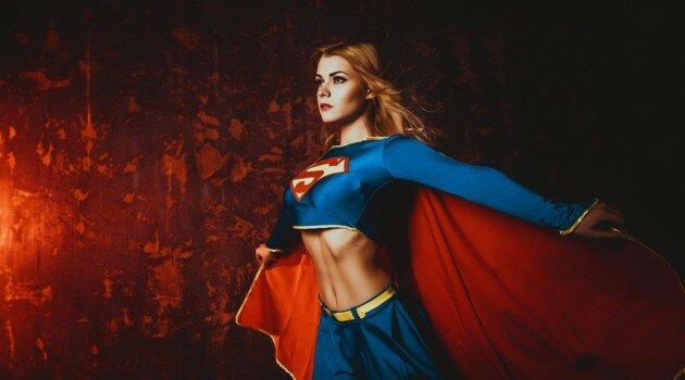 supergirl-cosplay-1